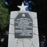 """Obnovljen spomenik Crvenoarmejcima kod železničke stanice ,,Fabrika"""" u Zrenjaninu"""